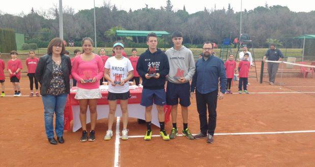 La imagen del domingo: Pablo Llamas y Caitlyn Portella, campeones del Jóvenes Promesas de la Federación Andaluza