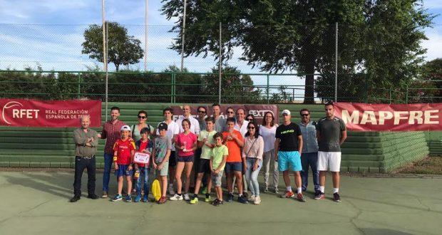 La RFET abre en Extremadura el Circuito de Aficionados con el que quiere recuperar la base del tenis